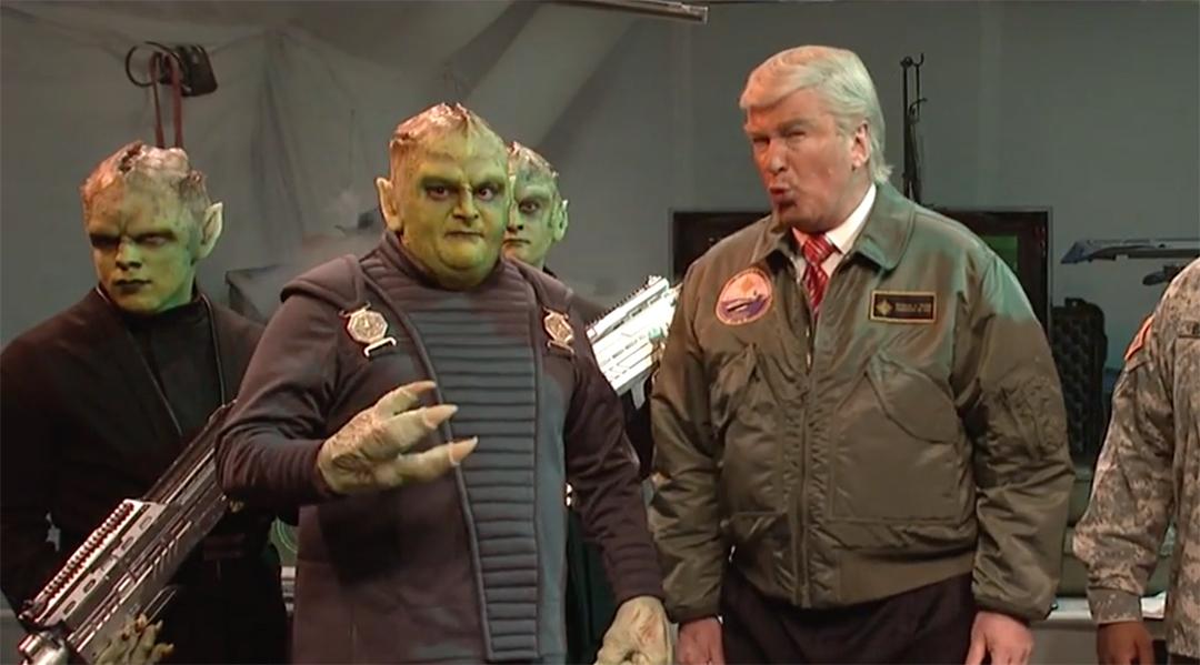 snl alec baldwin donald trump aliens